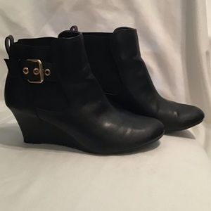 EUC Size 7.5 black wedge ankle boot